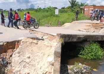 The collapse bridge in Ughelli