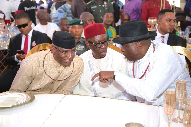 Deputy Senate President, National Assembly, Senator Ovie Omo-Agege; Delta State Governor, Senator Dr. Ifeanyi Okowa and former Governor of Delta State, Chief James Ibori, during the burial of Engr. James Edevbie, father of the Chief of Staff to the Government of Delta, Olorogun David Edevbie at Ughelli. Photo Credit: Delta State Govt.