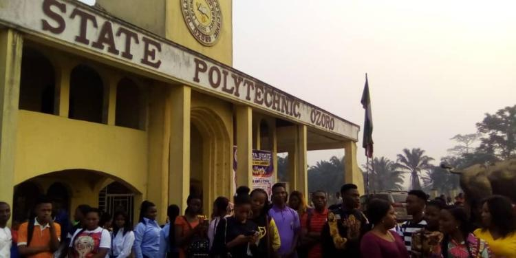 Protesting students of the Delta State Polytechnic, Ozoro