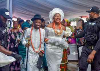 Erigga and wife during their traditional marriage in Ughelli, Delta State