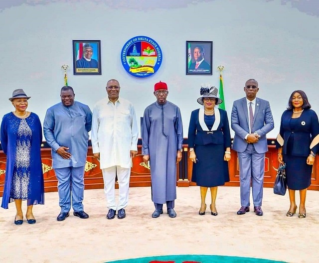 Senator Dr. Ifeanyi Okowa (middle); his Deputy, Barr. Kingsley Otuaro (3rd left); Deputy Speaker, Delta State House of Assembly, Rt. Hon. Ochor Ochor (2nd left); former Chief Judge of Delta State, Justice Roseline Bozimo (left);  immediate past Chief Judge of Delta State, Justice Marshal Umukoro (2nd right); newly-sworn-in Ag. Chief Judge of Delta, Justice Theresa Diai (3rd right) and Ag President of the state Customary Court of Appeal, Justice Patience Elumeze, shortly after the swearing-in of Justice Diai at the Government House, Asaba. Monday.
