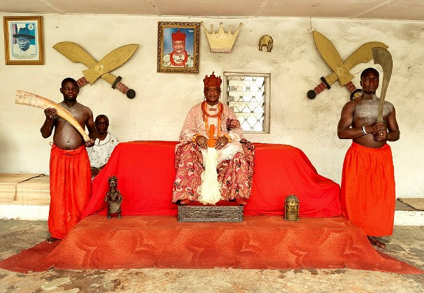 His Majesty, Wilson Ojakovo Oghoghovwe Oharisi 111 (jp) The ovie of Ughelli enthroned 26/4/80 is the current paramount traditional ruler of the great kingdom of Ughelli an Urhoboland.