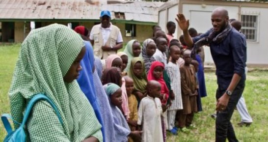 Tuface-with-interacts-with-IDP-kids-in-Gamboru-Ngala-in-Borno.jpg