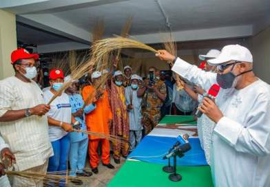 Ondo PDP taken over by Vulture, says Denis Alonge as he leads many to dump Party for APC