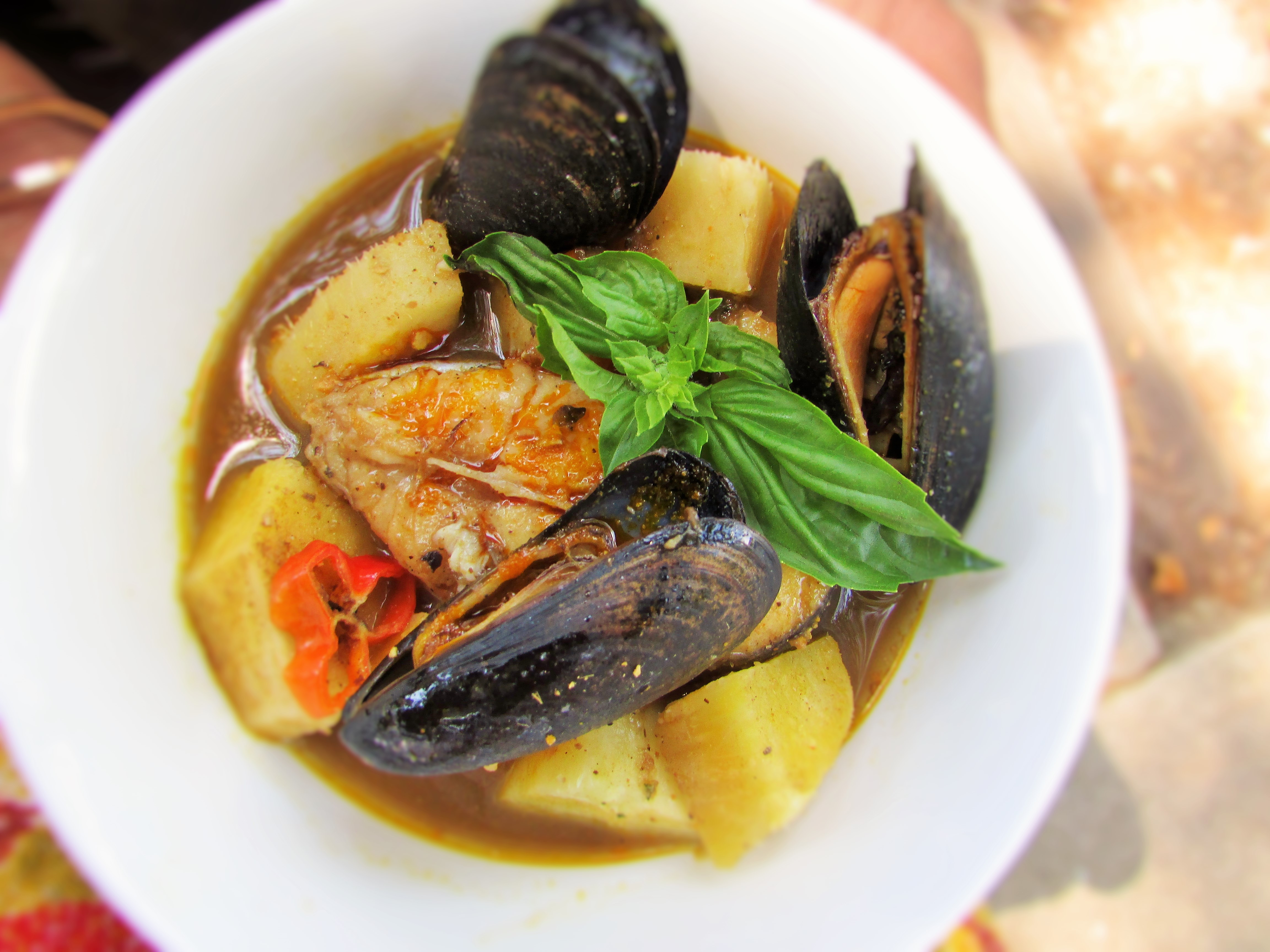 Yam and Fresh Fish PepperSoup | Nigerian Lazy Chef