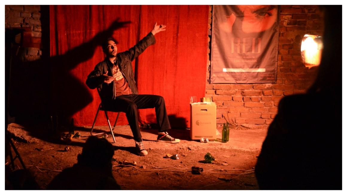 RED по Ерик Богосян – моноспектакъл на Радослав Йорданов, НОЩ/ПЛОВДИВ, 2013. Снимка: личен архив