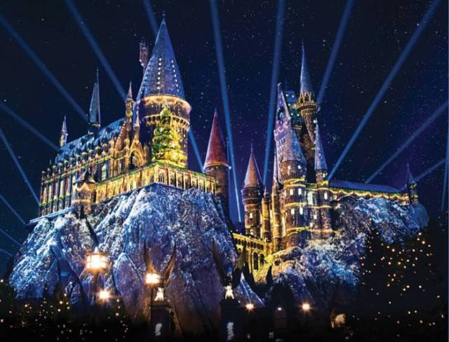 [News] Universal Studios Hollywood Celebrates with Traditional Holiday Favorites!