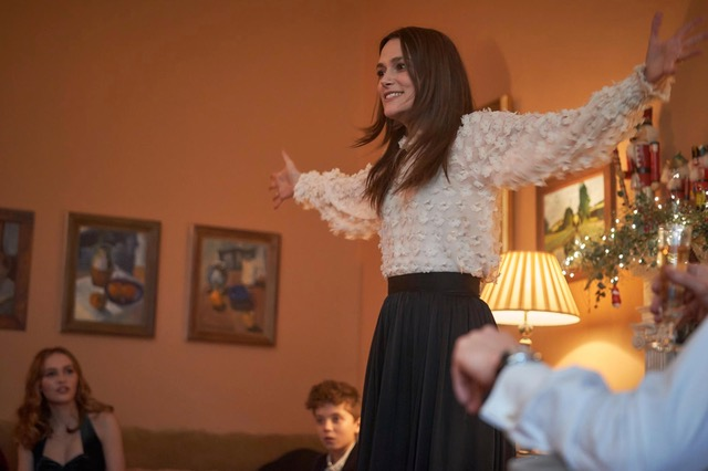 [News] SILENT NIGHT, Starring Keira Knightley, Acquired by AMC+ & RLJE Films