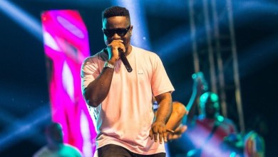 Photo of Such a cutie! Sarkodie shares first photo of son's face