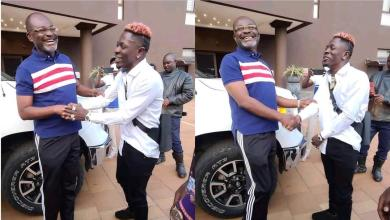 Photo of Shatta Wale shows special respect to Kennedy Agyapong when the two met in Kumerica [Video]