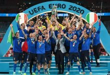 Photo of Female Italian fan goes topless and gives free show after Italy beat England to win Euro 2020 (Watch)