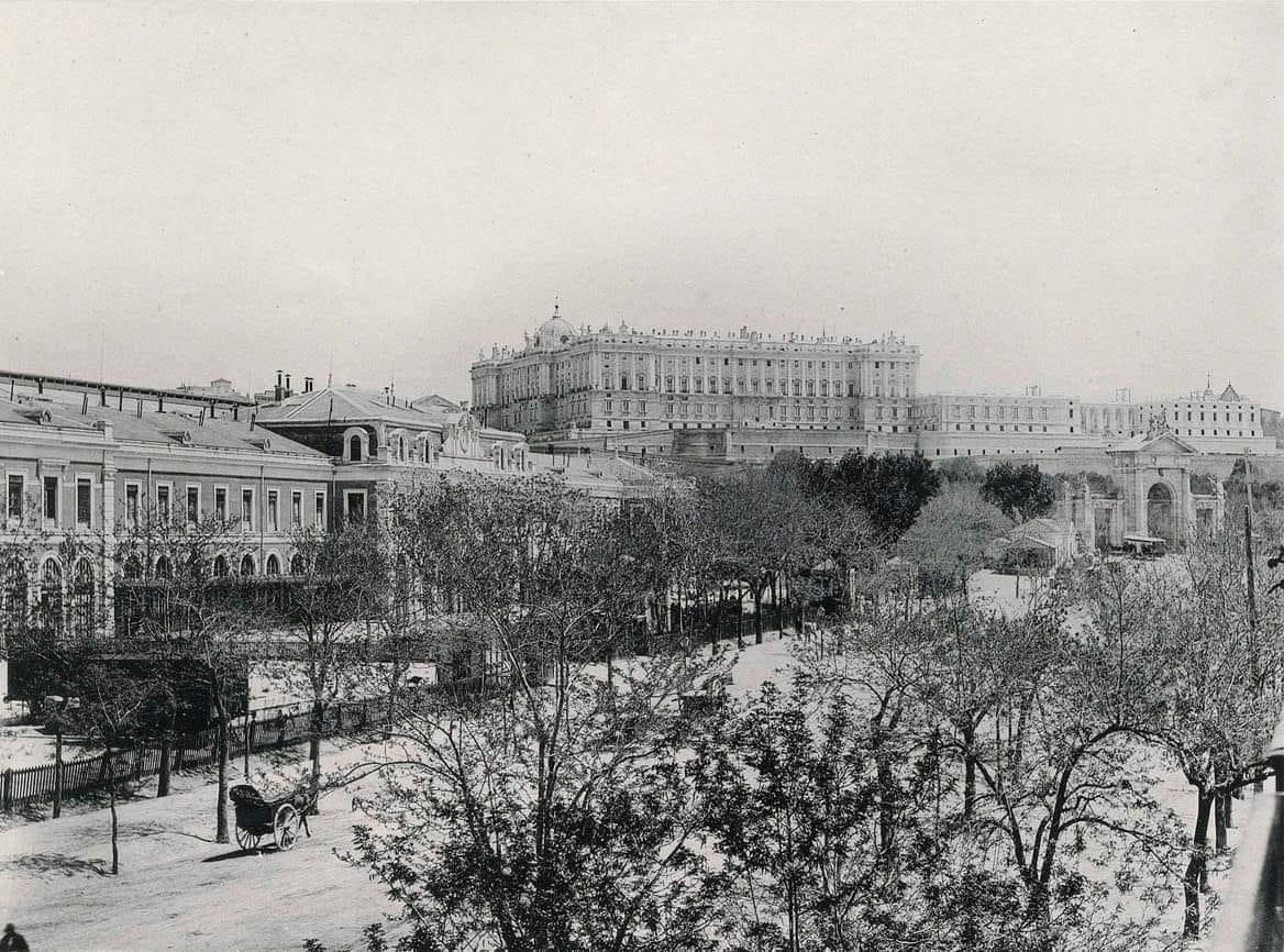 Estación del Norte y Palacio Real. 1890.