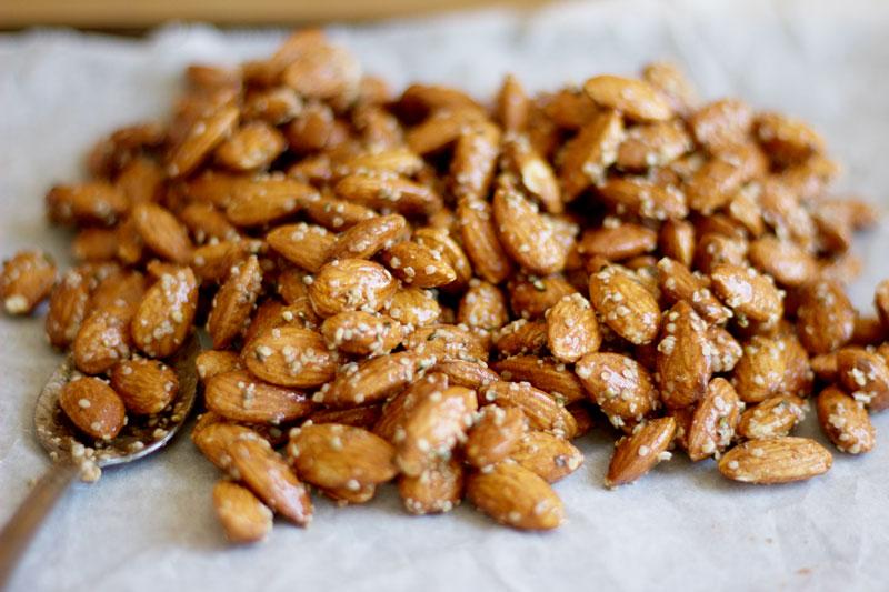 Honey and Hemp Roasted Almonds - www.nikkisplate.com