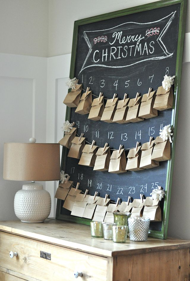 DIY Christmas Advent Calendar || Christmas decor, crafts and fun! Nikki's Plate