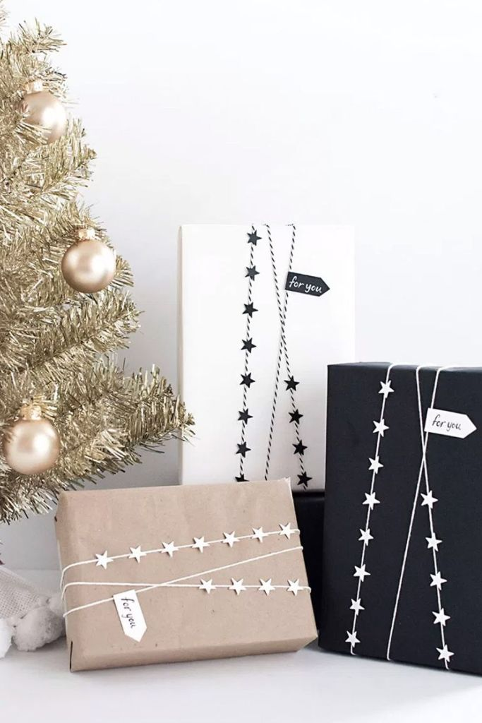 15 Pretty Gift Wrapping Ideas; gorgeous and unique ways to wrap your presents this Christmas! Make your presents stand out from the rest with these cute ideas!