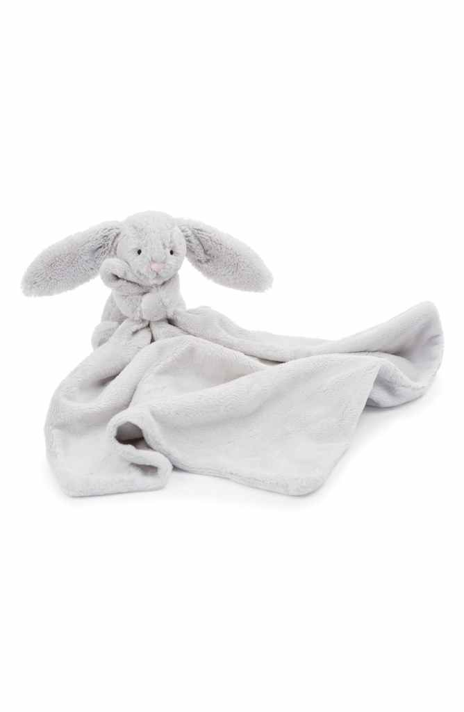 The Little Baby Holiday Gift Guide; Have a new baby to buy for this Christmas? Here are some present ideas for him or her! Jellycat, stuffed animal #holidaygiftguide #newbaby #jellycat