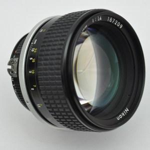 Nikon Nikkor 85mm 1.4 AIS gehört zu den besten Objektiven, die Nikon hergestellt hat