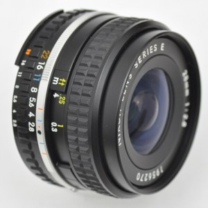 Nikon 28mm 2.8 AIS Serie E Objektiv kompakte Größe - geringes Gewicht