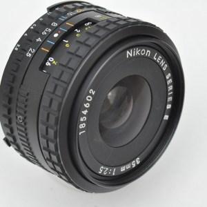 Nikon 35mm 2.5 AIS Serie E kompakte Größe - geringes Gewicht