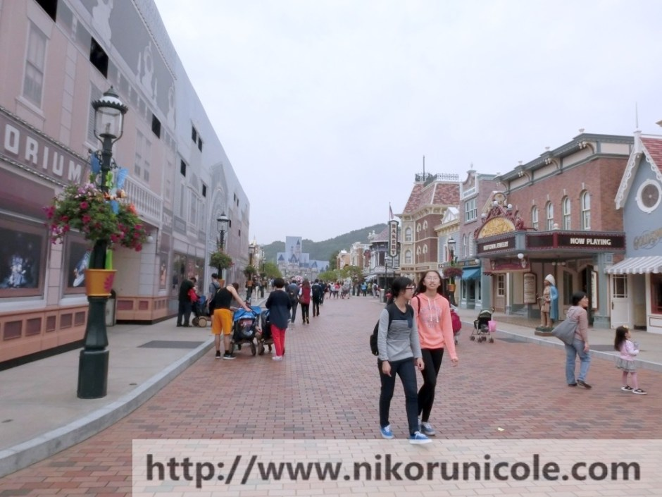 Travel-Hong-Kong-Disneyland-Lifestyle-Blogger-Nikoru-Nicole18