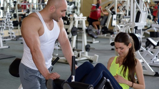 Personal-Trainer-in-gym