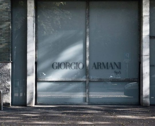 AGGELOS BRATIS, GIORGIO ARMANI, FASHION, MILANO, Άγγελος Μπράτης, Μόδα, Ιταλία, Τζιόρτζιο Αρμάνι, Μιλάνο, επίδειξη, nikosonline.gr