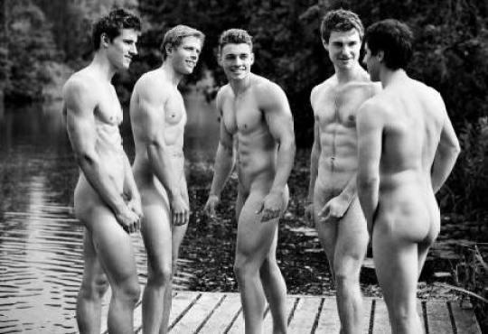 naked3_c1839197_131029_678