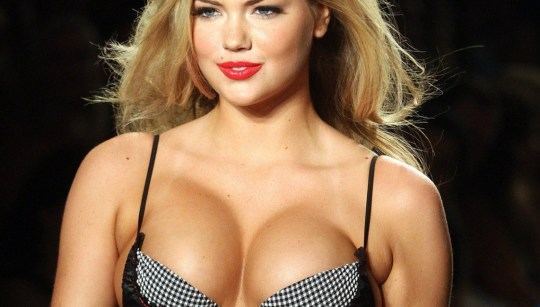 Kate-Upton-sexy-breast-wallpapers