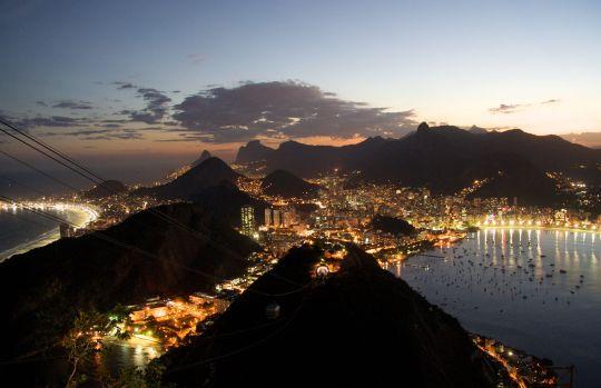 Rio-de-Janeiro-night-wallpapers-free-download-awesome-hd-widescreen-wallpapers-of-rio-de-janeiro