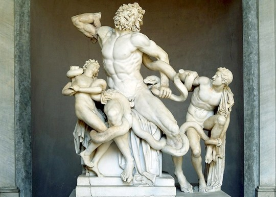laocoon-and-his-sons-statue-vatican-museum-italy-1