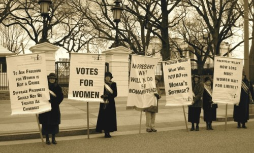 Women's Social and Political Union, suffraget, ΓΥΝΑΙΚΕΣ, ΣΟΥΦΡΑΖΕΤΕΣ, ΔΙΚΑΙΩΜΑ ΨΗΦΟΥ, ΤΟ BLOG ΤΟΥ ΝΙΚΟΥ ΜΟΥΡΑΤΙΔΗ, nikosonline.gr,