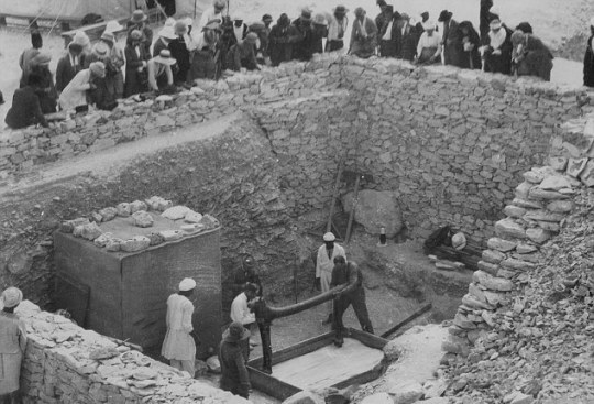 00012CEF00000C1D-3193092-Tutankhamen_s_tomb_was_first_discovered_in_1922_by_Howard_Carter-a-8_1439284127232