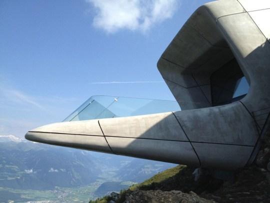 zaha-hadid-reinhold-messner-mountain-museum-mmm-corones-kronplatz-alps-mountaintop-designboom-01-818x614