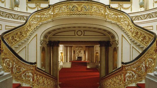 76223-640x360-buckinghampalace_grandstaircase640 (1)