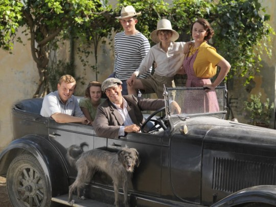 Leslie Durrell (CALLUM WOODHOUSE), Margo Durrell (DAISY WATERHOUSE), Spiros Halikiopoulous (ALEXIS GEORGOULIS), Lawrence Durrell (JOSH O'CONNOR), Gerald Durrell (MILO PARKER) & Louisa Durrell (KEELEY HAWES)