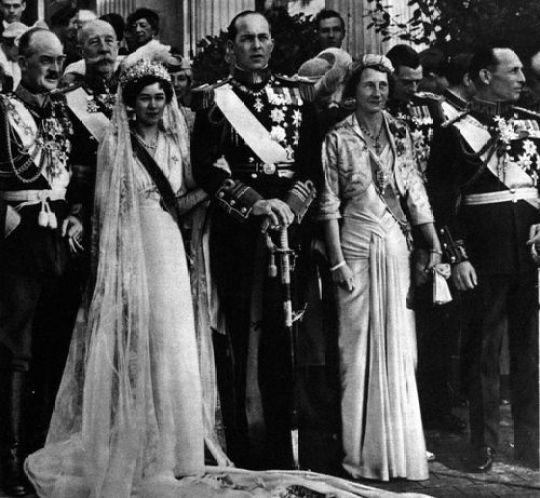 Διάδοχος Παύλος της Ελλάδας, παντρεύεται στην Αθήνα την Φρειδερίκη,