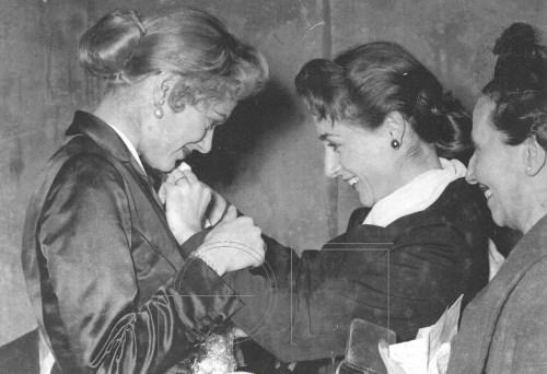 Έλλη Λαμπέτη, ηθοποιός, θέατρο, Elli Lampeti, Melina Mercouri