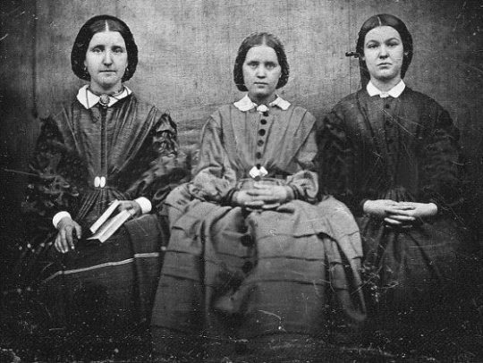αδελφές Brontë, ADELFES BRONTE, ΣΥΓΓΡΑΦΕΙΣ, ΑΓΓΛΙΑ, nikosonline.gr
