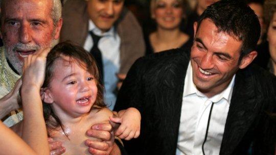 Καραγκούνης συν γυναιξί και τέκνοις, GIORGOS KARAGOUNIS, WIFE, KIDS, Ποδόσφαιρο, ΚΑΡΑΓΚΟΥΝΗΣ- ΣΥΖΥΓΟΣ- ΠΑΙΔΙΑ, nikosonline.gr