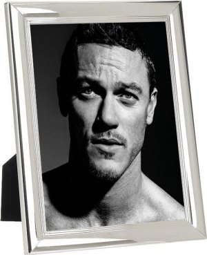 Luke Evans, gay, ΛΙΟΥΚ ΕΒΑΝΣ, ΗΘΟΠΟΙΟΣ, HOLLYWOOD, DRACULA untold, HOBBIT, CINEMA, nikosonline.gr