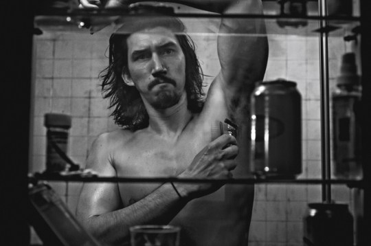 Adam Driver στον καθρέφτη, ΑΝΤΑΜ ΝΤΡΑΪΒΕΡ, MIRROR, ACTOR, ΗΘΟΠΟΙΟΣ, nikosonline.gr