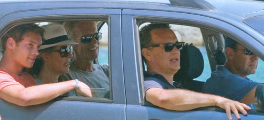 TOM HANKS, RITA WILSON, ANTIPAROS, GREEK ISLAND, nikosonline.gr