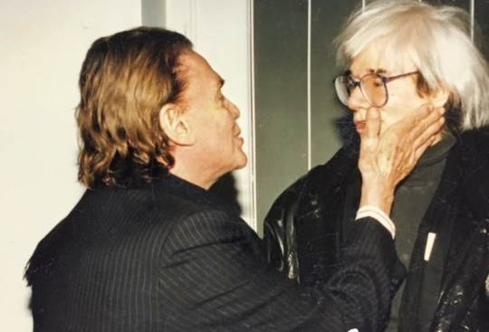 Iolas, Andy Warhol, Τραβεστί, τεκνά, pop art, Άντι Γουόρχολ, ζωγραφική, σινεμά, hollywood, nikosonline.gr