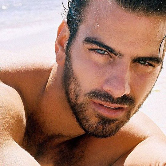 Nyle DiMarco, America's Next Top Model, Dancing with the Stars, ΝΑΙΛ ΝΤΙ ΜΑΡΚΟ, ΜΟΝΤΕΛΟ, ΚΩΦΟΣ, nikosonline.gr