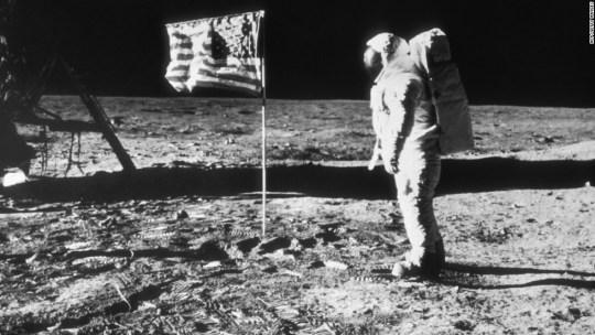 Νηλ Άρμστρονγκ, Neil Armstrong- Moon, ΤΟ BLOG ΤΟΥ ΝΙΚΟΥ ΜΟΥΡΑΤΙΔΗ, nikosonline.gr