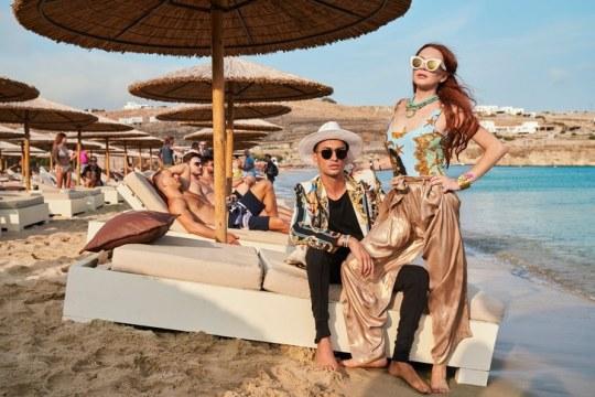 Μύκονος & Σελεμπριτις, Mykonos, Greek Island, Celebrities, Ντόπιοι διάσημοι, μαγιό, porn, drugs, θάλασσα, nikosonline.gr