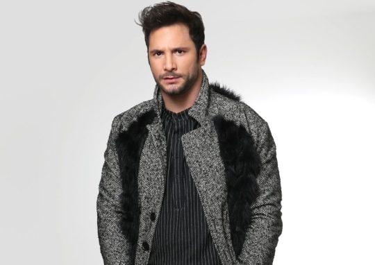 Η γκαρνταρόμπα του Ευθύμη Ζησάκη, Ευθύμης Ζησάκης, ηθοποιός, Zisakis, ρούχα, ντύσιμο, κακόγουστο, Dress, style, bad taste, nikosonline.gr