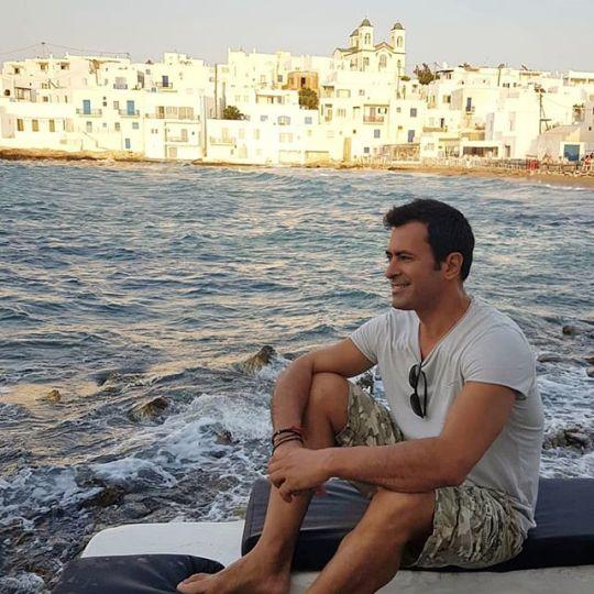 ΝΙΚΟΣ ΠΑΠΑΔΑΚΗΣ, NIKOS PAPADAKIS, modeling, μοντέλο, άγιο όρος, αγιογράφος, τηλεόραση, TV, nikosonline.gr