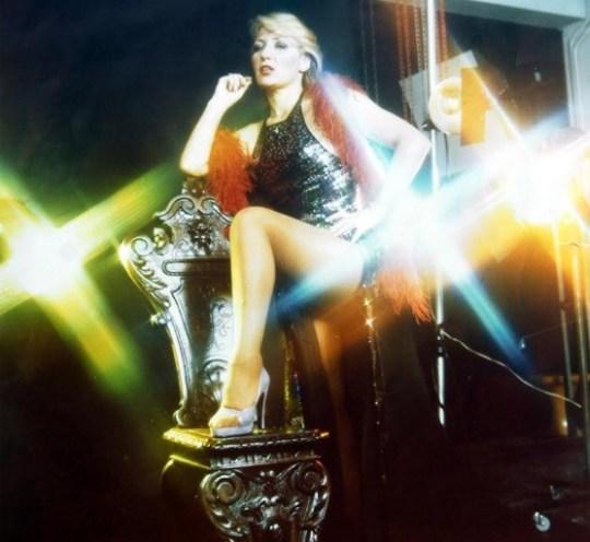 Μπέμπα Μπλανς, Μια ζωή σκάνδαλα, sexy, tragoudistria, Beba Blans, μπουζούκια, skandala, Ελληνικό τραγούδι, nikosonline.gr
