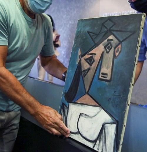 Picasso, Greece
